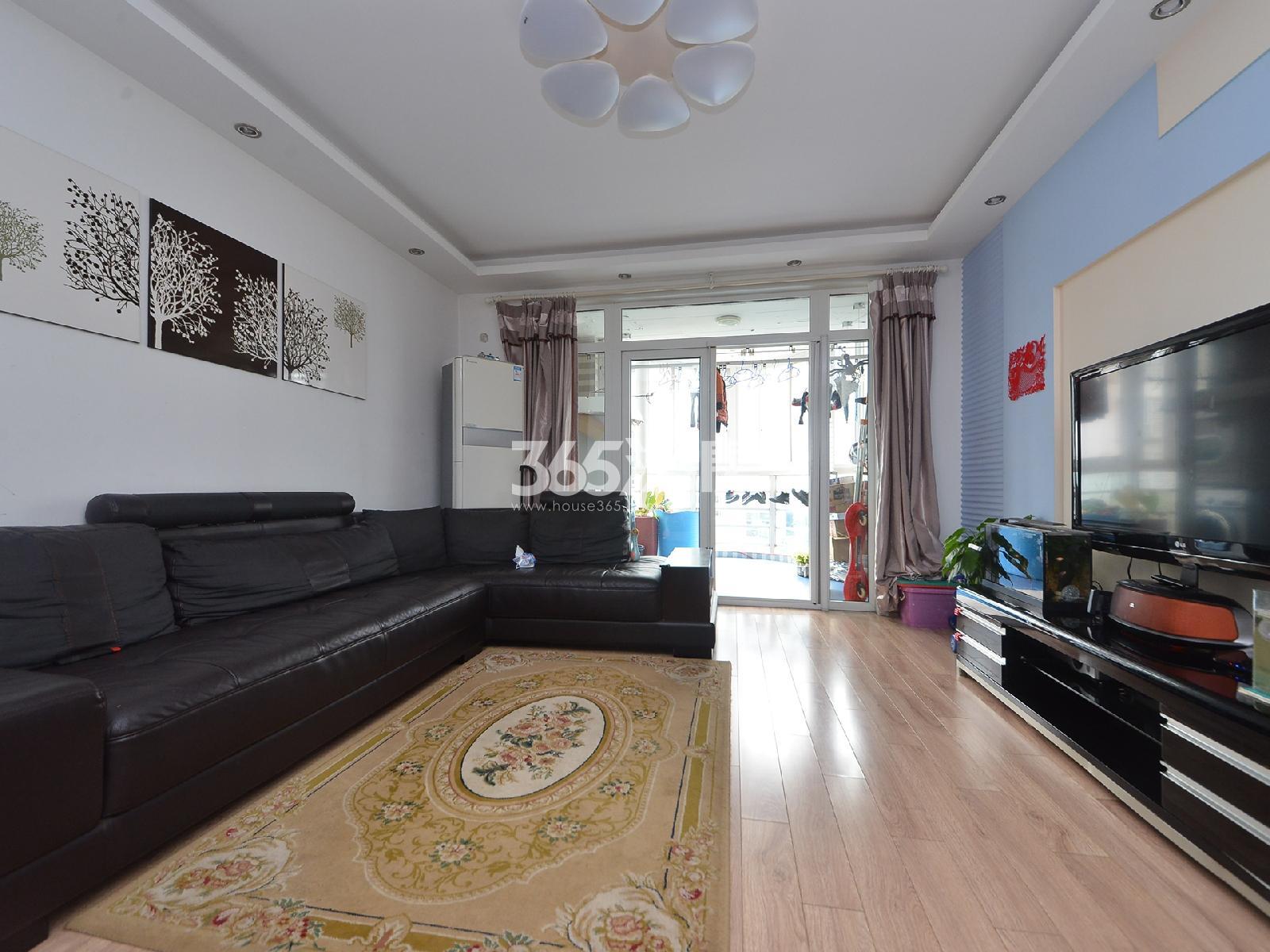 鸿信清新家园3室2厅2卫118平米精装产权房2012年建