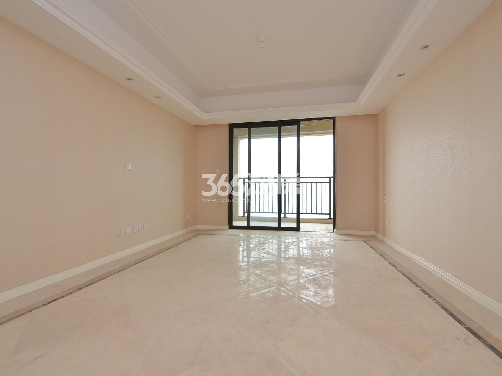升龙天汇2期B区珑尚3室2厅2卫116平方产权房豪华装
