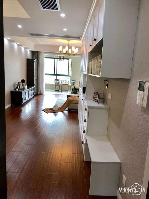 142�O现代美式风,三室两厅加大阳台,简直太棒了!