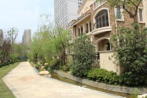 政务区 置地柏悦公馆 联排别墅 送2个车位和储藏室 五十中和奥体学区