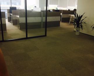 小龙湾地铁口 精装整层 得房率高 花园式办公 紧靠景枫19
