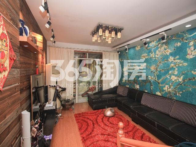 东方城松林谷3室2厅2卫119平米2007年产权房精装