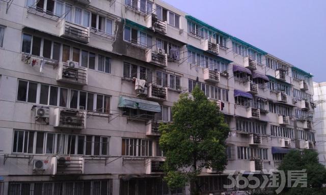 凤凰西街186号2室1厅1卫87平方产权房毛坯