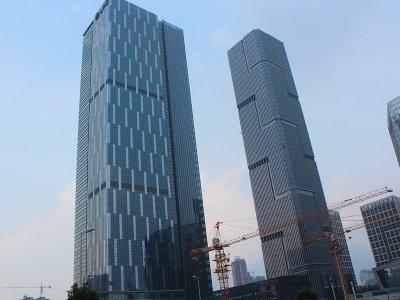 升龙汇金中心2室2厅1卫90.65平方产权房精装