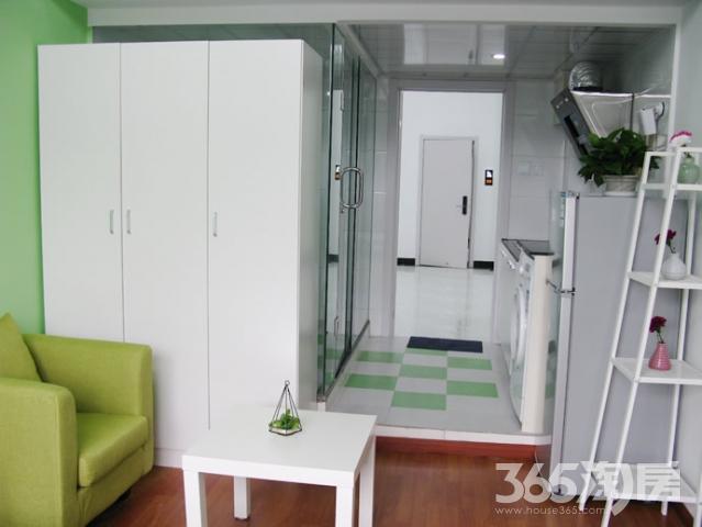 自由寓(南湖店) 1室1厅1卫30平米整租豪华装单身公寓