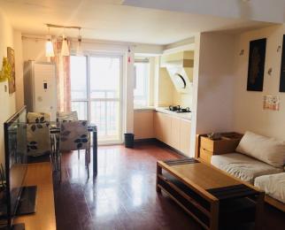 马群东 东郊小镇四街区 两室精装带地毯 交通便利 配套全