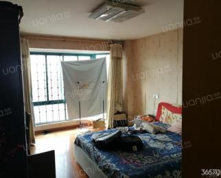 红山韵致居 3室2厅 114平