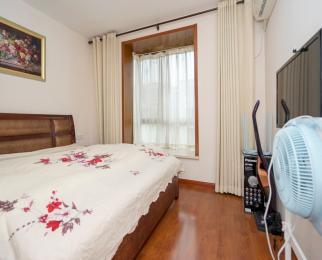 仙林南师大旁 诚品城精装三居室 首次出租干净整洁 居家陪