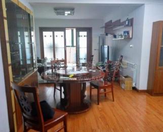 太平门 北京东路 居家 四室两厅 带暖气 有车位