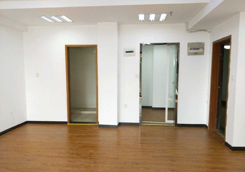 玄武区珠江路新世界中心B座租房