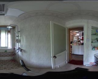 御道街御河苑4室1厅109平带院子阳光房精装无税