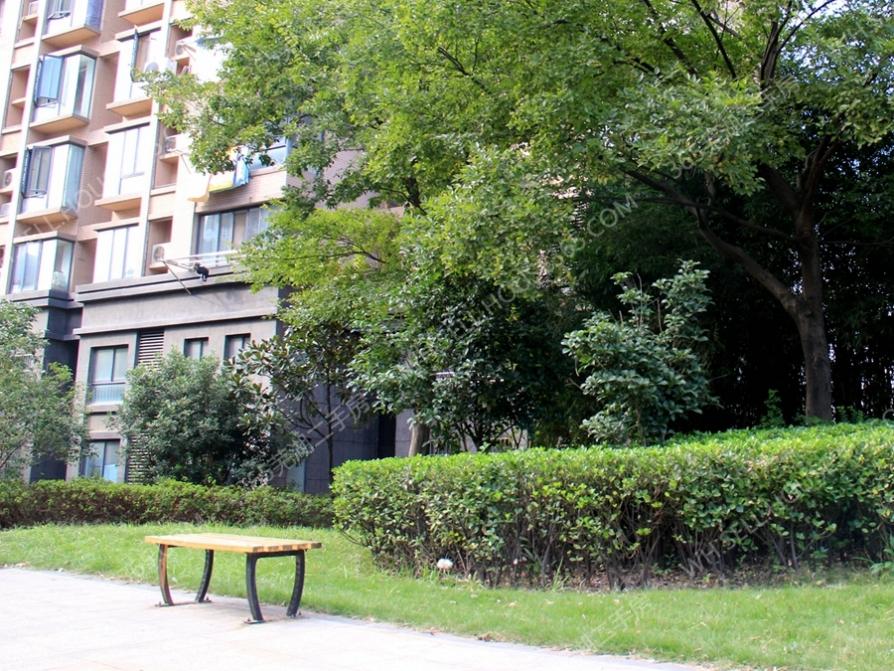 整租+绿地精装修出租房+万达商圈+临近菜市场