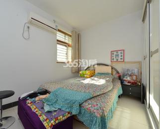 江南名府3室2厅2卫115平米2003年产权房精装
