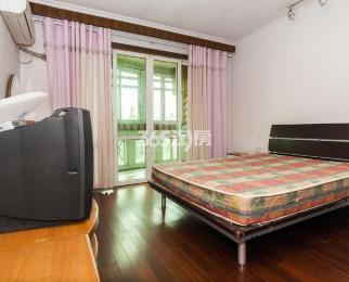 怡馨花园3室2厅1卫99.98平方产权房精装