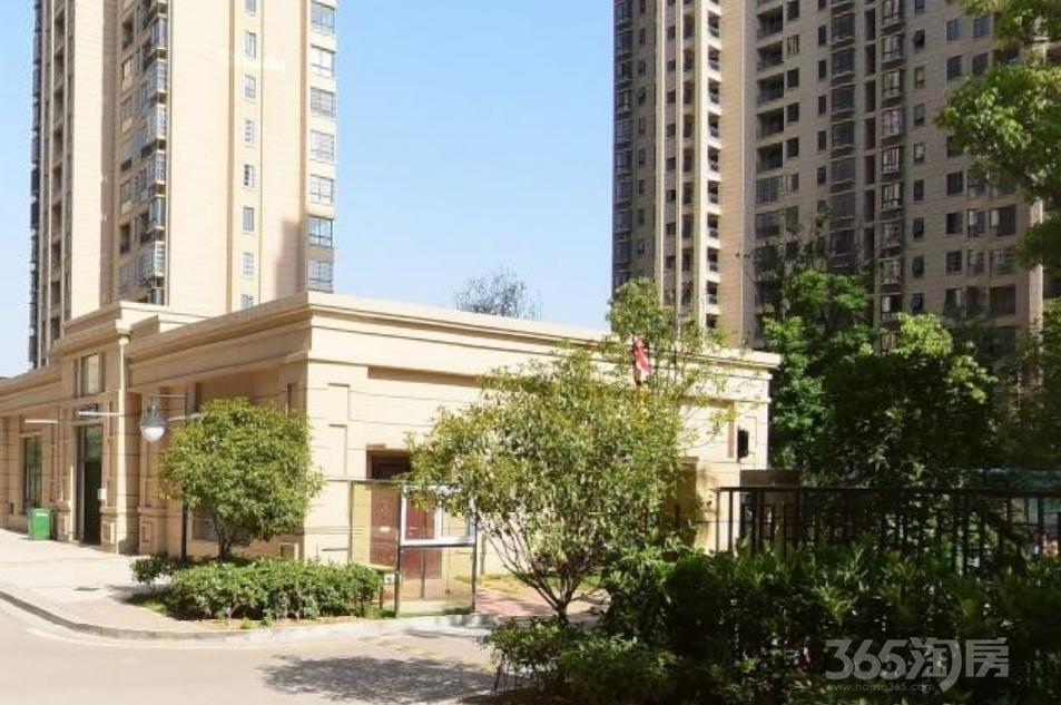 绿地世纪城柏仕公馆2室2厅1卫88平方产权房精装