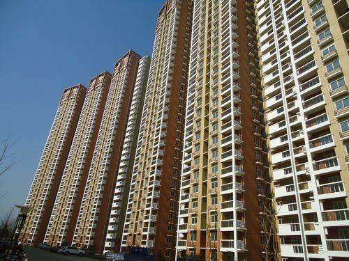 莲花新城北苑3室1厅1卫87平米简装产权房2010年建