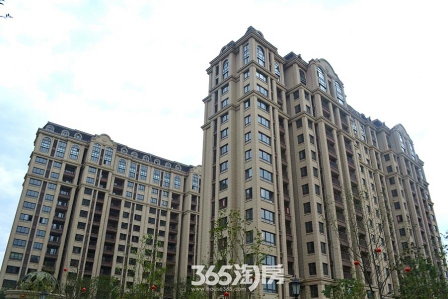 新华联梦想城3室2厅2卫128平米整租毛坯