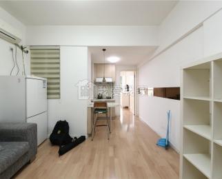 三号线胜太西路站 汇金旗林大厦 精装单身公寓 厅室分离