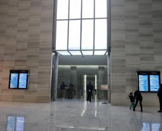新街口 南京国际金融中心 黄金地段 顶 级甲写 免 佣