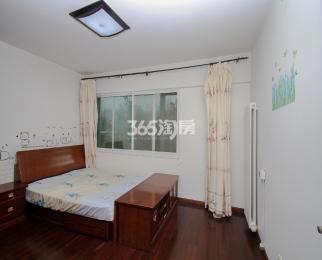 钟麓花园观山阁4室2厅2卫125.5平方产权房精装