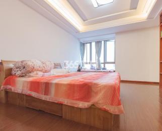 龙凤玫瑰园2室2厅1卫98.67平方产权房豪华装