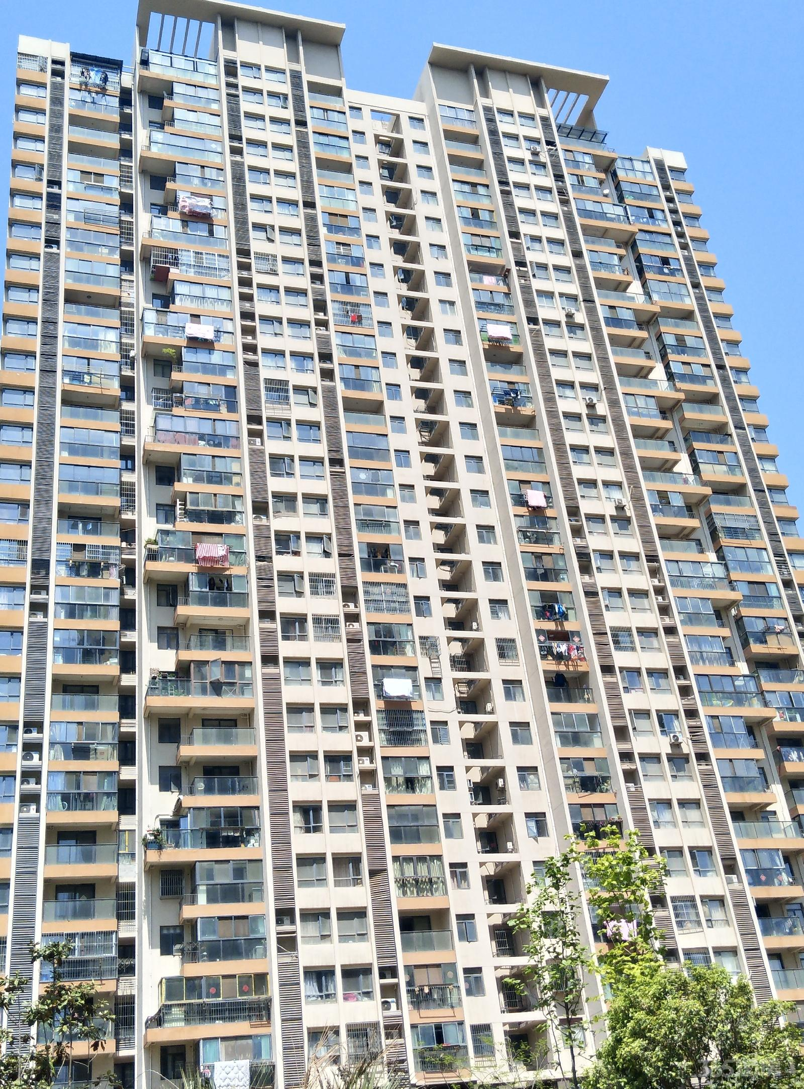 仙林悦城3室2厅1卫108.00平米整租简装