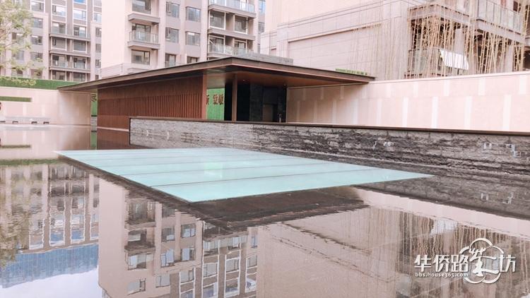 【面面看房】之金地悦风华,青奥板块高端纯新盘预计在七月首开叠墅,一起来看看这个项目怎么样?