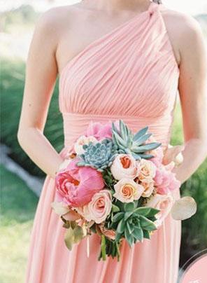 色彩缤纷的伴娘服