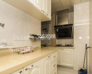 东方万汇城2室2厅1卫70.57平米2014年产权房精装