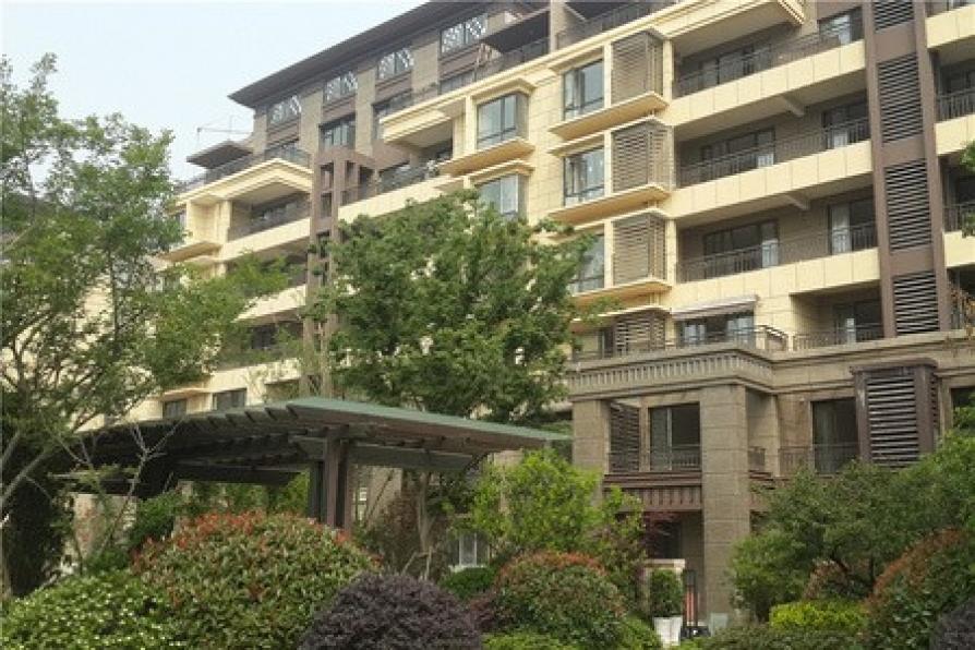 中海御山府一期61幢501室3室1厅1卫135平方产权房毛坯