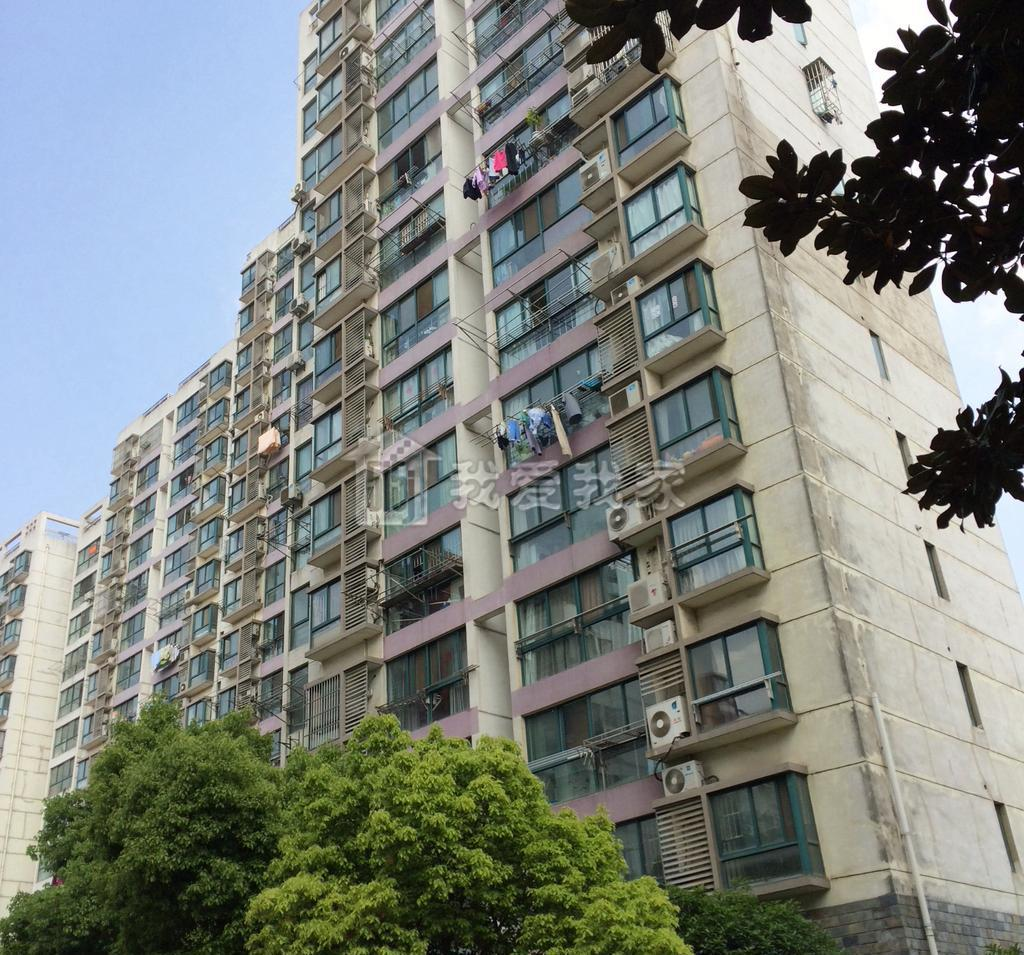 江宁区东山街道亲水湾花园133.00㎡简装3室2厅