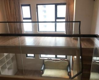 九龙湖保利中央公园 地铁口48米挑高 装修时尚 拎包入住