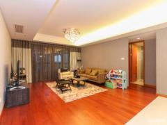 仁恒江湾城 精装大三房 开发商样板间 位置优越 对着小区景观