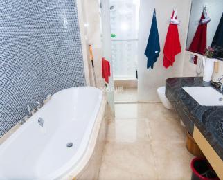 雨润中央公馆2室2厅2卫139平米2016年产权房豪华装